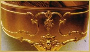 gold-piano-lurgenstein
