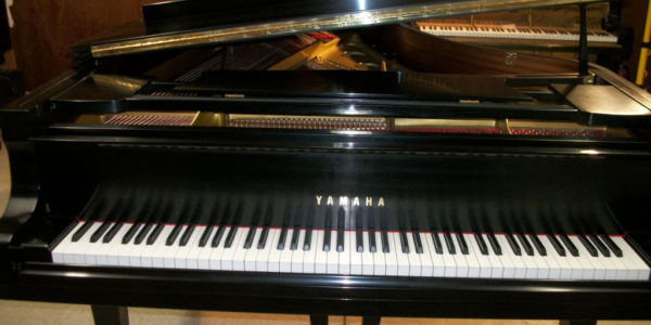 yamaha-piano-c-7-01