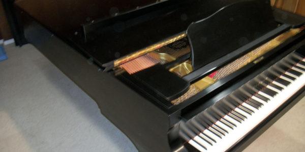 yamaha-piano-c-7-like-new